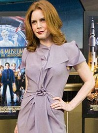 file_16_6355_hot-clothing-hues-redheads-amy-adams-03