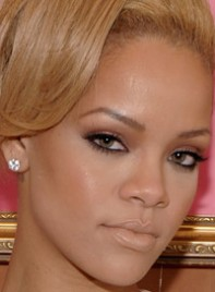 file_19_6358_copy-rihannas-bold-eye-makeup-07