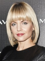 file_3171_mena-suvari-short_straight-bangs-chic-edgy-blonde