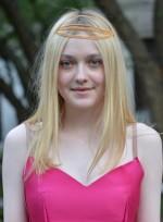 file_3173_dakota-fanning-medium-straight-fine-blonde-hairstyle