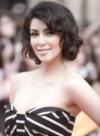 file_3203_kim-kardashian-bob-curly-275