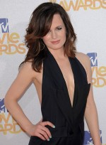 file_3299_elizabeth-reaser-medium-tousled-sophisticated