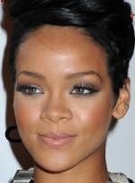 file_32_6358_copy-rihannas-bold-eye-makeup-09