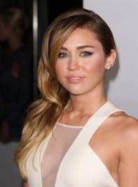 file_3384_miley-cyrus-long-curly-romantic-formal-brunette-highlights-275