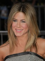 file_3426_jennifer-aniston-medium-layered-highlights-blonde-2012