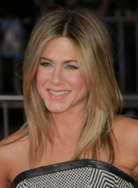 file_3426_jennifer-aniston-medium-layered-highlights-blonde-2012-275