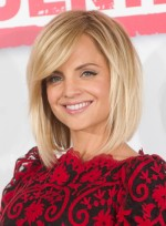 file_3529_mena-suvari-medium-edgy-straight-hairstyle