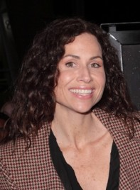 file_3627_minnie-driver-long-curly-brunette-275