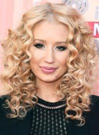 file_3653_Iggy-Azalea-Medium-Curly-Blonde-Romantic-Hairstyle-275