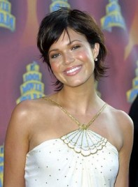 file_3681_mandy-moore-short-sexy-brunette-275