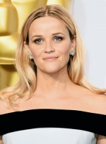 file_3756_Reese-Witherspoon-Medium-Layered-Blonde-Sophisticated-Hairstyle