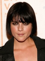 file_4182_selma-blair-short-bangs-bob-straight-black