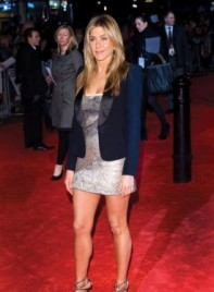 file_4401_jennifer-aniston-layered-oval-275