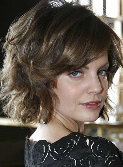 Short Hairstyles For Thick Wavy Hair And Oval Face : Short hairstyles for thick hair and oval faces beauty riot