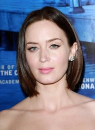 file_4495_emily-blunt-medium-thick-edgy-bob-hairstyle-275