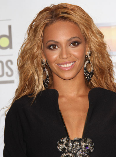 curly hair style pics tousled hairstyles for shaped faces riot 4729 | file 4729 beyonce wavy tousled