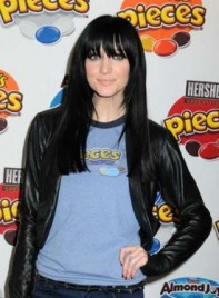 file_4873_ashlee-simpson-long-bangs-straight-275