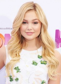 file_5264_Olivia-Holt-Long-Blonde-Romantic-Wavy-Hairstyle-275
