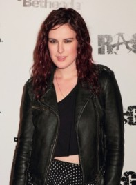 file_5385_rumer-willis-medium-curly-edgy-red-275