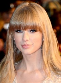 file_5643_taylor-swift-long-straight-blonde-hairstyle-bangs-275