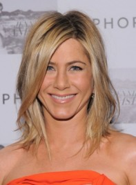 file_5718_jennifer-aniston-medium-layered-blonde-275