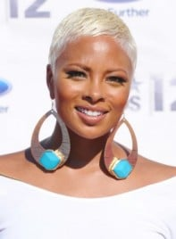 file_58733_eva-pigford-short-edgy-blonde-chic-hairstyle-275