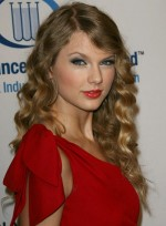 file_5925_taylor-swift-long-wavy-blonde