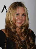 file_6128_amanda-bynes-2-curly-chic-sophisticated-blonde