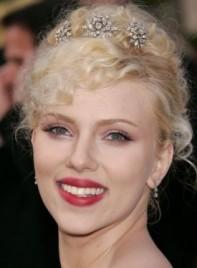 file_6171_scarlett-johansson-curly-updo-blonde-275