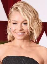 file_6254_Kelly-Ripa-Short-Wavy-Blonde-Edgy-Hairstyle