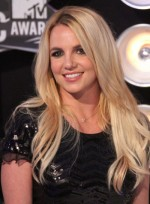 file_6294_britney-spears-long-chic-blonde