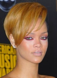 file_6358_copy-rihannas-bold-eye-makeup-XL-275