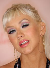file_2_6541_worst-makeup-trends-christina-aguilera-01