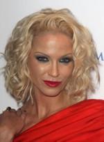 file_33_6541_worst-makeup-trends-sarah-harding-06