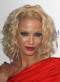 file_7_6541_worst-makeup-trends-sarah-harding-06