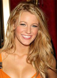 Blake Lively Cute Beach Hairstyle