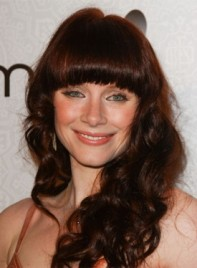 file_59170_bryce-dallas-howard-long-bangs-curly-red-275