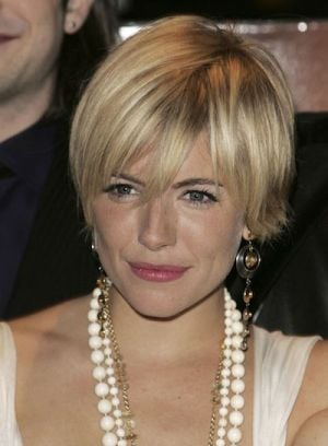 sexy hair styles for girls what guys think of your haircut riot 6761 | file 85 6761 what guys think your haircut sienna miller 08