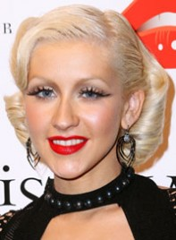 file_2_6941_celebrities-who-need-makeunders-christina-aguilera-01