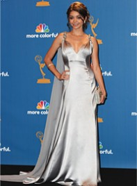 file_16_7201_2010-emmy-trends-sarah-hyland-15