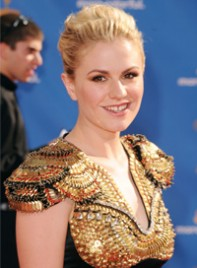 file_3_7201_2010-emmy-trends-anna-paquin-02