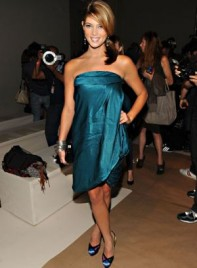 file_14_7331_celebrities-at-fashion-week-ashley-greene-13