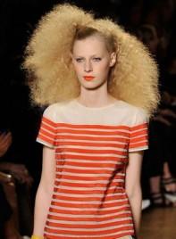 file_15_7321_weirdest-fashion-week-looks-14