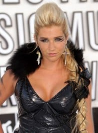 file_26_7281_mtv-vmas-2010-kesha-11