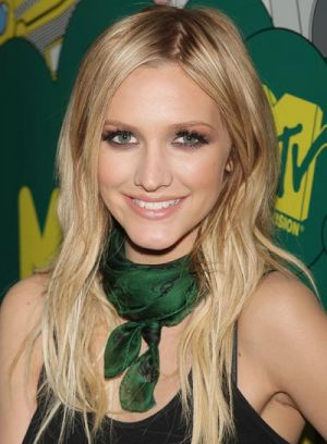 file_7_7291_celebrity-hair-color-addiction-ashlee-simpson ...