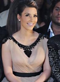 file_8_7331_celebrities-at-fashion-week-kim-kardashian-07