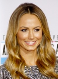file_59283_stacy-keibler-long-romantic-wavy-chic-hairstyle-275