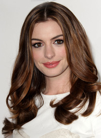 anne hathaway long hair