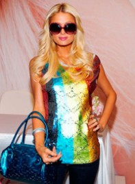 file_29_8041_what-guys-think-fashion-trends-paris-hilton-06