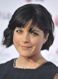 file_2_8001_beauty-tips-look-thinner-selma-blair-01